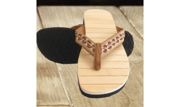 The rebirth of wooden sole flip flops & wooden sandals ❀